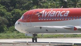 Fokker 100 da Avianca Decolando do aeroporto de Salvador - PR-OAT