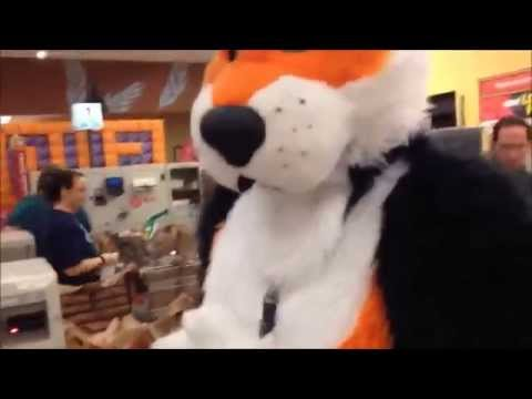 The cringe collection: Fursuiting in supermarket