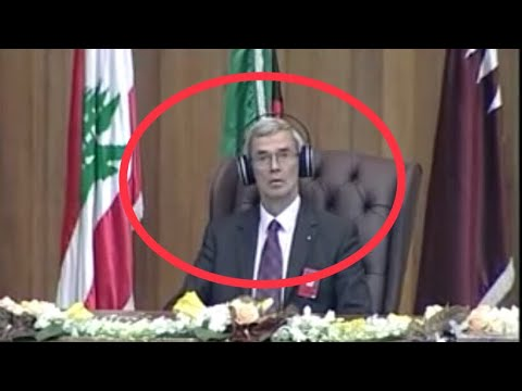تلاوة  تذهل الحضور  للشيخ خالد الجليل في حفل جامعة نايف