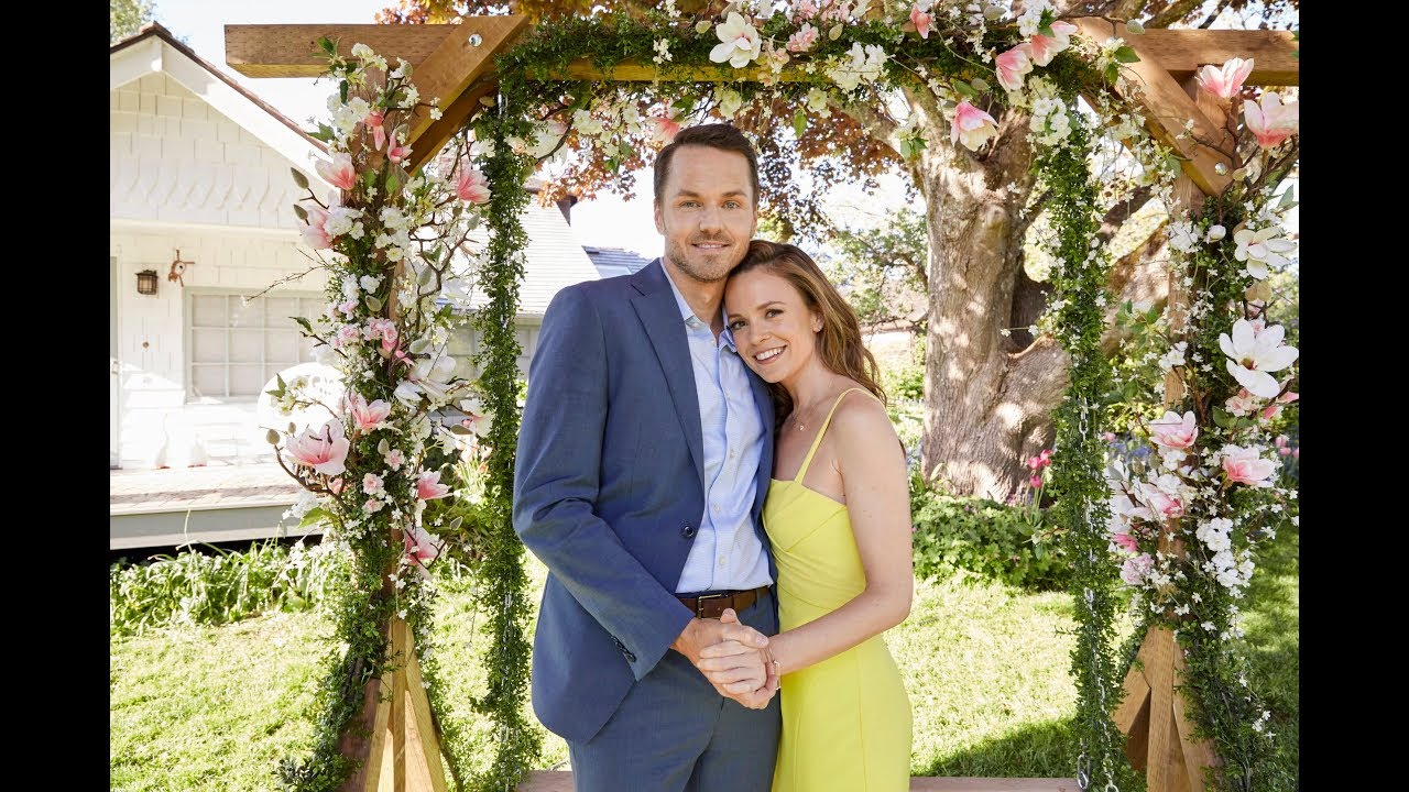 Preview - The Last Bridesmaid starring Rachel Boston and Paul Campbell - Hallmark Channel