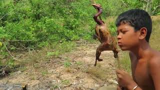 Primitive Technology Create Stone Spear   Show Find Hunting Chickens living In Ancient Times