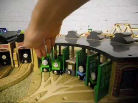 Thomas Wooden Railway Review: Basic Roundhouse, One Engine Shed ...
