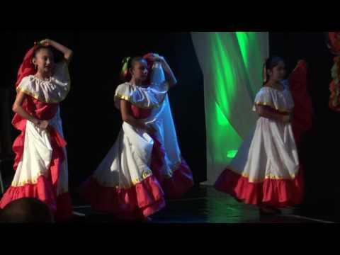 A bailar fandango   Lucía en el Ballet folklórico de Antioquia