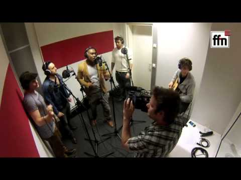 Blue - Hurt lovers acoustic version at FFN Radio (Hannover,