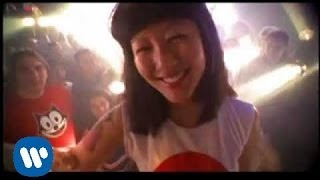 The Flaming Lips - Yoshimi Battles the Pink Robots Pt. 1 [Official Music Video]