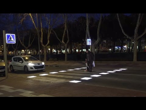 AS Creating a smart pedestrian step that detects pedestrians and warns vehicles