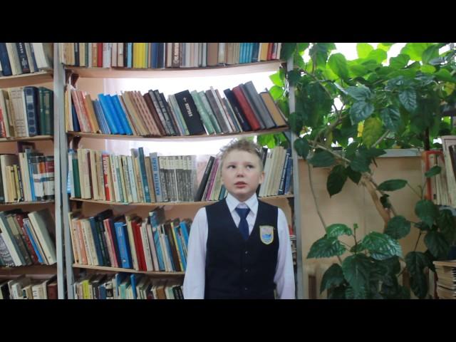 Изображение предпросмотра прочтения – МаксимАстахов читает произведение «День памяти» А.А.Усачева