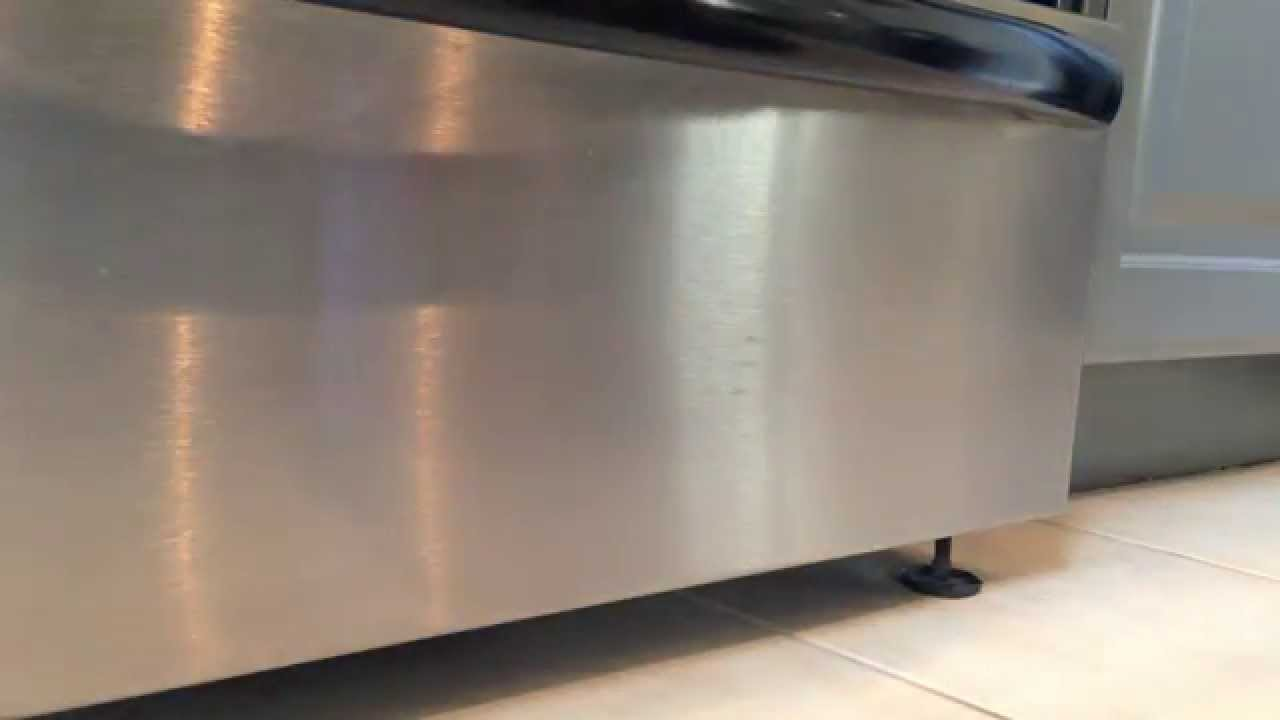 The Best Way To Clean Stainless Steel Appliances Polish Stainless Steel Appliances With Baby Oil Youtube