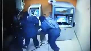jaf incredibil au spart bancomatul in cateva secunde