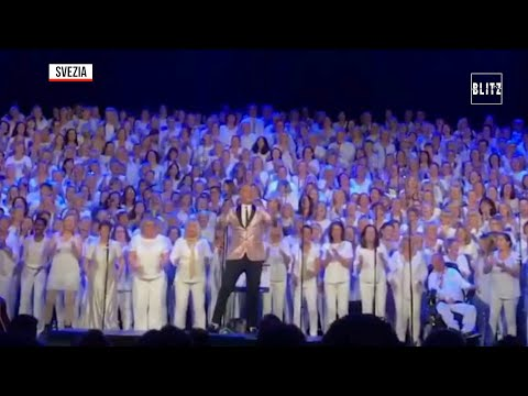 Avicii, lo spettacolare tributo del coro di Stoccolma al dj svedese