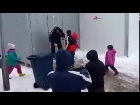 Serbian police vs kids from the middle east