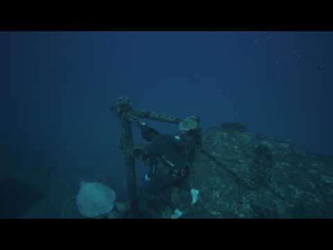 Freediving the Sea Tiger Wreck, Honolulu, Hawaii