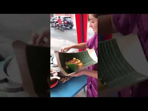 Cantik nya Gadis Penjual Nasi Uduk