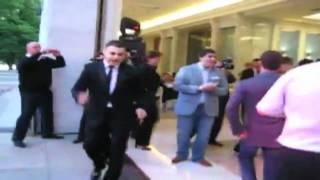 Медведев и Мартиросян танцуют