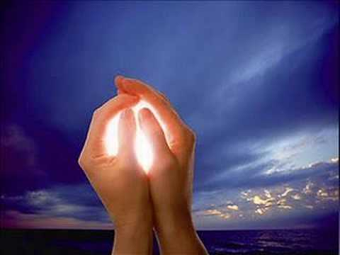 Resultado de imagem para Bônus são o nosso tesouro, nossa riqueza que depositamos no Céu. São o resultado dos trabalhos espirituais e, com eles, o médium dá condições a seus Mentores para que estes possam lhe ajudar.