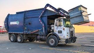Autocar WX64 - Bridgeport Front Load Garbage Truck
