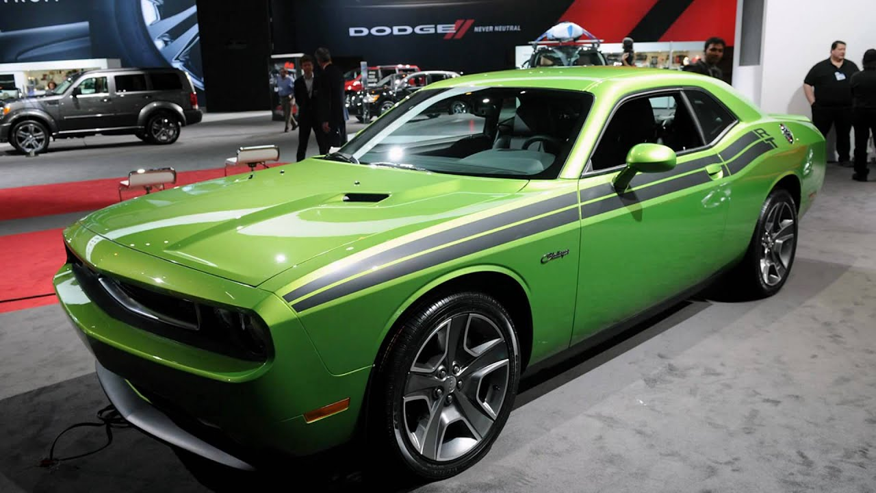 2011 dodge challenger r t classic 2011 chicago auto show youtube. Black Bedroom Furniture Sets. Home Design Ideas