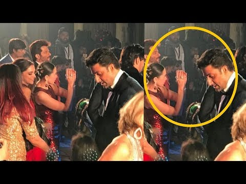 Shocking : Karisma Kapoor dancing with ex bf Abhishek Bachchan and his wife Aishwarya Rai Bachchan  