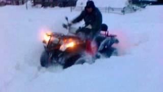 Квадроцикл в снегу.mp4(Квадроцикл CF Moto X-6 в снегу... первый выезд на снег., 2010-12-07T10:06:18.000Z)