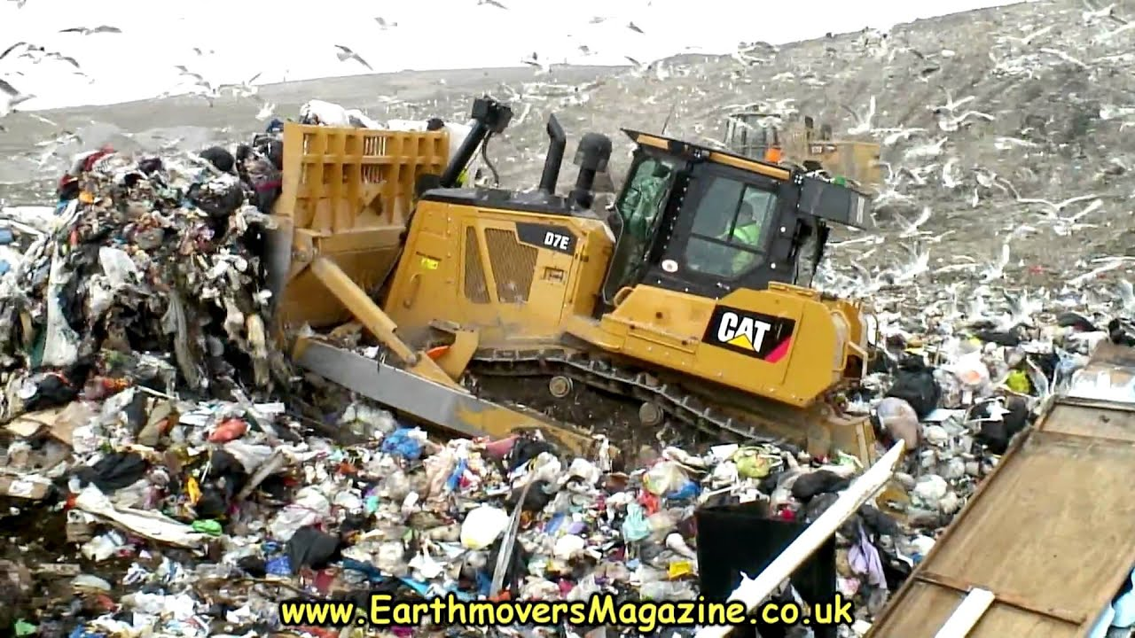 Landfills With Tractors : Cat d e hybrid dozer in landfill youtube