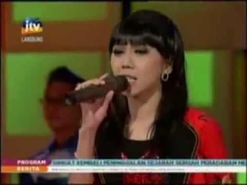 Nurul Sagita - Mendem Kangen [Live Stasiun Dangdut 23 Sept 2013]