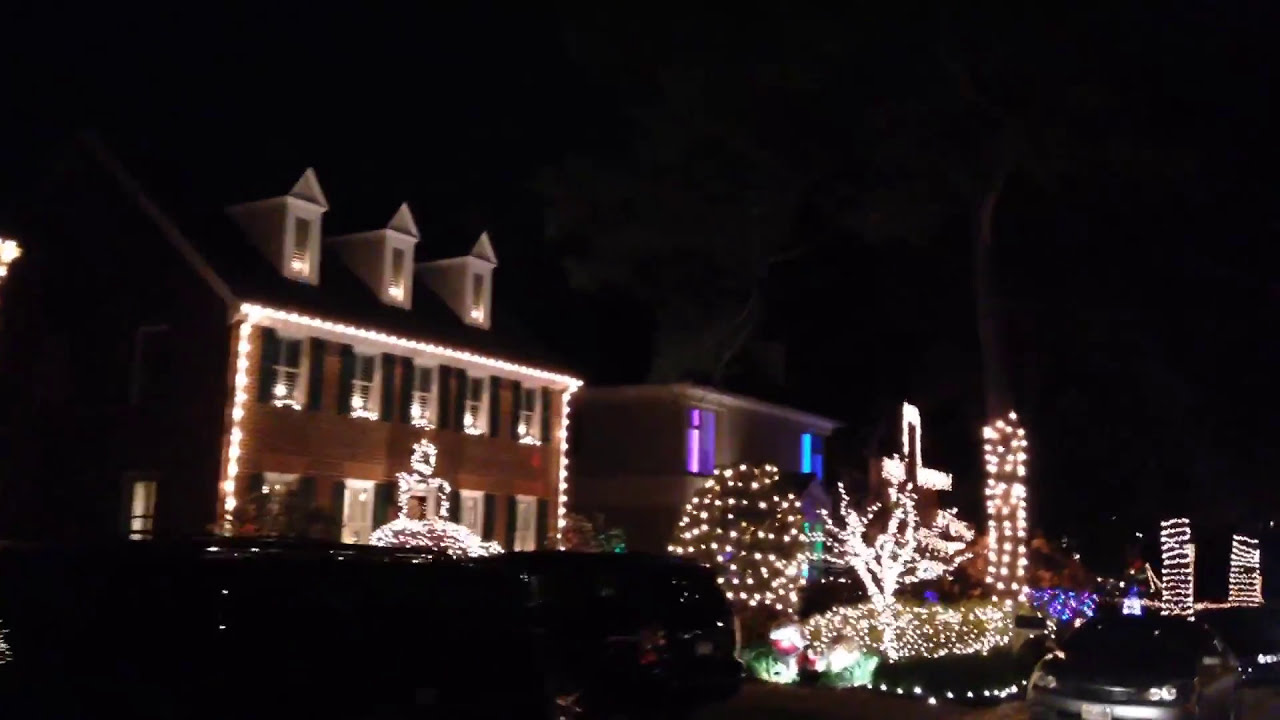 Brightly Decorated 43rd Street Virginia Beach