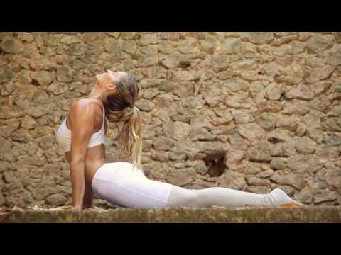 Ashtanga Yoga Mallorca Retreats - Aline fernandez - 2017