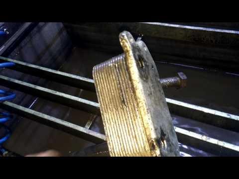 Масло в антифризе(тосоле) -проверяйте теплообменник.