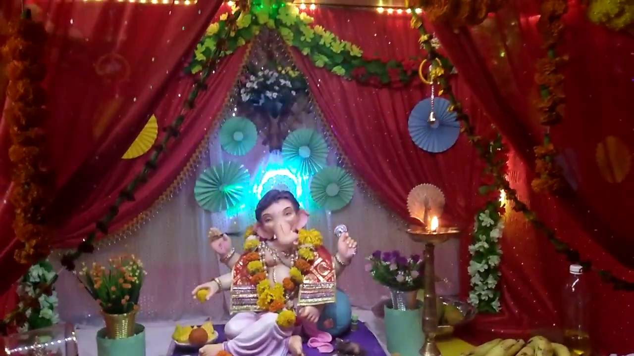 Home Ganpati decoration by using curtain curtains