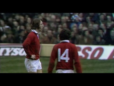 Two brilliant JPR Williams tries against England in 1976 | Guinness Six Nations