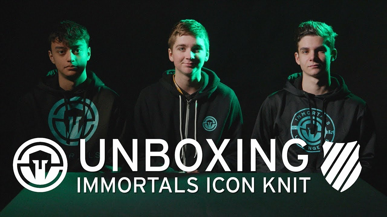 f1ca42ba990ce Unboxing the Immortals Icon from K-Swiss with Clash Royale - YouTube