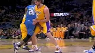Kobe Bryant grabs Pau Gasol's Nuts thumbnail
