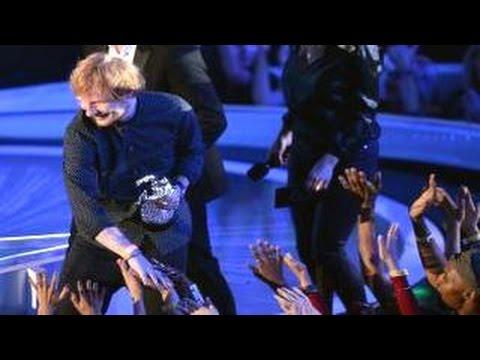 Miley Cyrus Calls Ed Sheeran An A Hol3 At Mtv Vma 2014 Mtv Video Music Awards 2014 Youtube