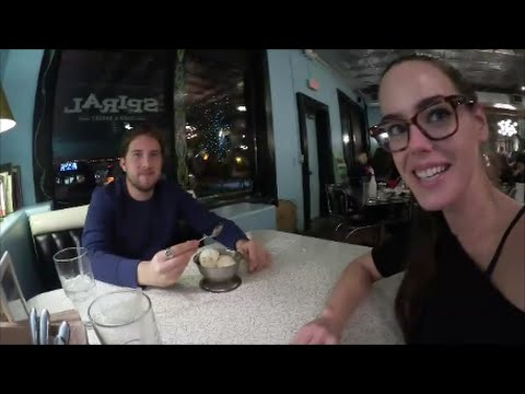 Vlogcember! Vegan Dinner Date & Post-Christmas Cleanup