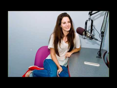 """""""LEAKS ARE SO ANNOYING"""" Lana Del Rey talks about Lust for Life and song Love 07/12/17(AUDIO)"""