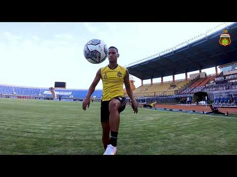 OFFICIAL TRAINING BHAYANGKARA FC VS MADURA UNITED