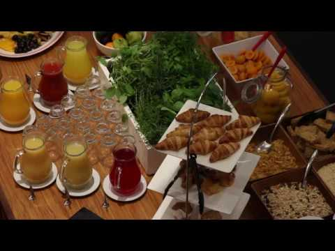 City Dining And Bar West Plaza Hotel
