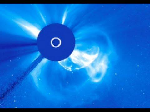 HUGE Solar Blast - 'Killshot' will Miss Earth   S0 News February 22, 2015