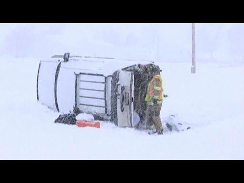 الجليد يؤدي إلى سقوط شاحنة محملة بالملح في ولاية بنسلفانيا الأمريكية…  - نشر قبل 11 دقيقة