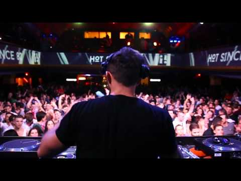 Hot Since 82 plays Crossfade (Maceo Plex Mix) @ PRLMNT (Budapest), 2014.12.19. - OneMusic