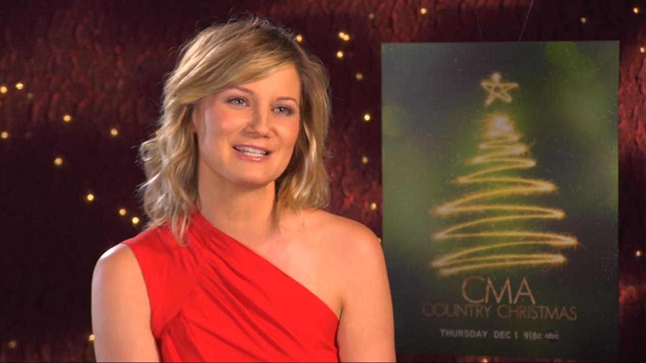 Jennifer Nettles - Thur., Dec. 1 on ABC | CMA Country Christmas 2011 ...