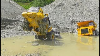 RC CONSTRUCTION VEHICLES RESCUE! RC VOLVO EQUIPMENT RESCUE! VOLVO LOADER STUCK! RC LIVE ACTION 2017