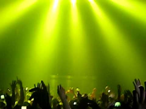 Tiesto - olive/your not alone (sheffield arena 2010)