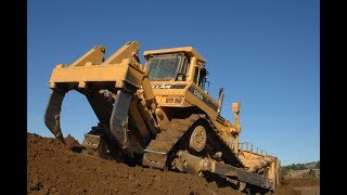 The World's Biggest Dozers Deep Ripping !