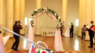 ВОТ ЭТО ПРИКОЛ!!! У невесты слетело платье на свадьбе