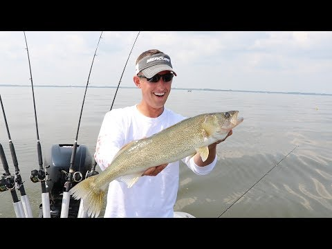 Late Summer 2018 Lake Winnebago Walleye Action!