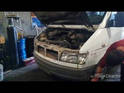 Как снять бампер на автомобиле Sprinter