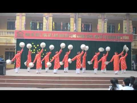 Ngoại khóa 12A5 THPT Yên Lạc- Múa Nón Việt nam Quê hương tôi