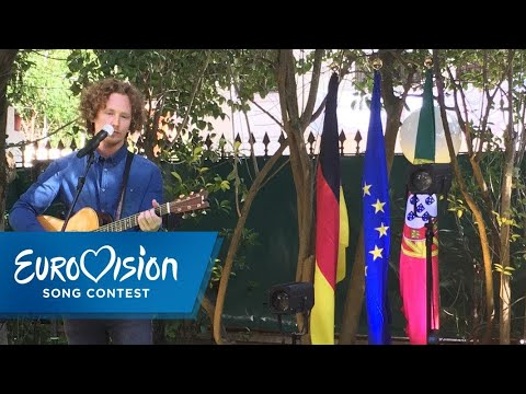 "Michael Schulte singt ""You Let Me Walk Alone"" 