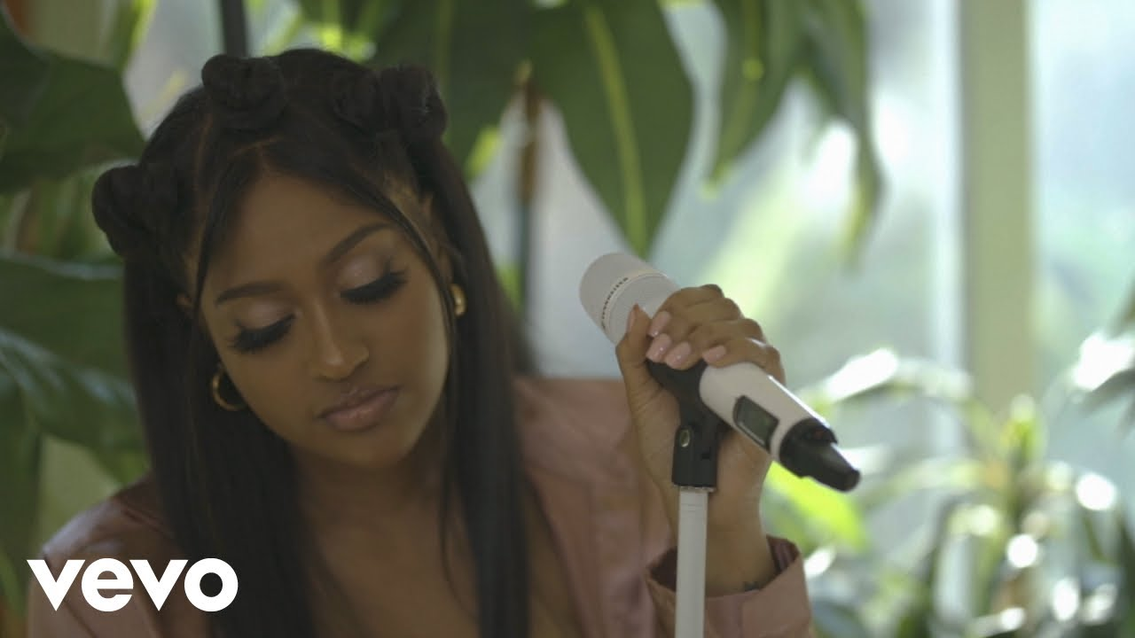 Jazmine Sullivan - Pick Up Your Feelings (Official Acoustic Live Video)